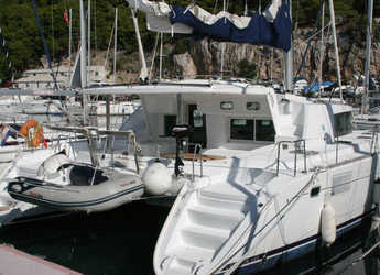 Rent a catamaran in Trogir (ACI marina) - Lagoon 440 (2008)