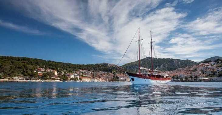 Rent a schooner in Stobreč Port - Gulet 18-9