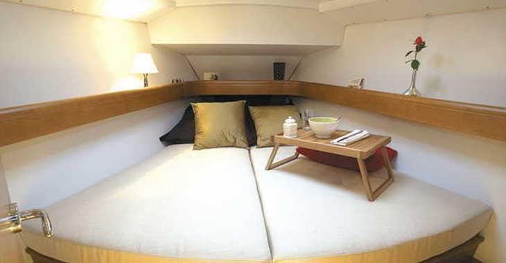 Rent a sailboat in Marina Sukosan (D-Marin Dalmacija) - Sun Odyssey 39i