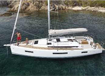Rent a sailboat in Lefkas Nidri - Sun Odyssey 440