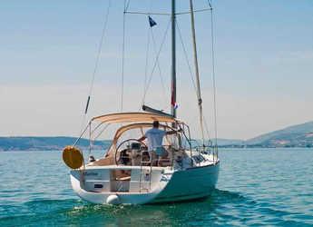 Rent a sailboat in Marina Sukosan (D-Marin Dalmacija) - Oceanis 37