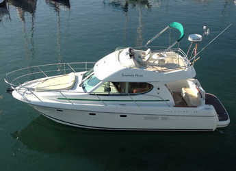 Rent a motorboat in Port d'Aiguadolç - Prestige 32
