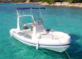 Rent a motorboat in Trogir (ACI marina) - Maestral 555