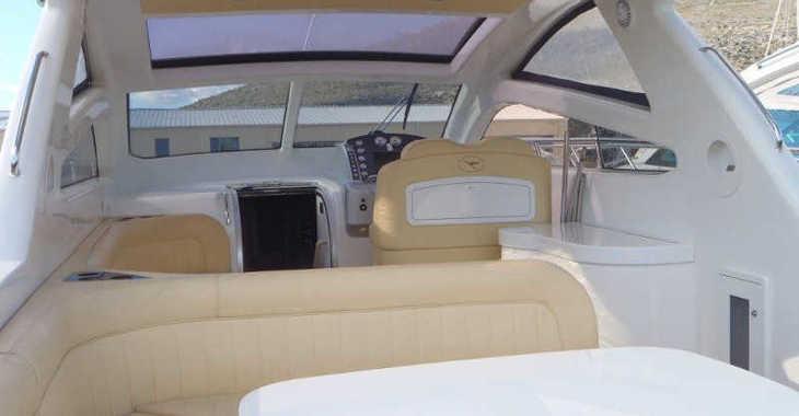 Alquilar barco a motor Airon 4300 en Marina Baotić, Seget Donji